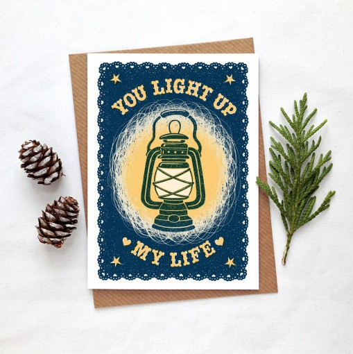 lightup.card.fircones